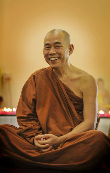 Buddhist_humor_old_monk_laughing